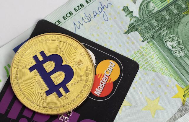 Bitcoin-Visa-ve-MasterCard-10-Yilda-En-iyi-Dunya-odeme-Sistemlerini-Yenebilir-btc-kripto-para-cryptocurrency