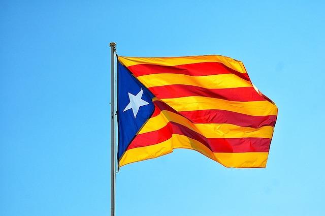 independence-of-catalonia-Katalonya-Merkezi-Yonetilemeyen-Bir-Kimlik-Sistemini-Duyurdu-blok-zincir-blockchain