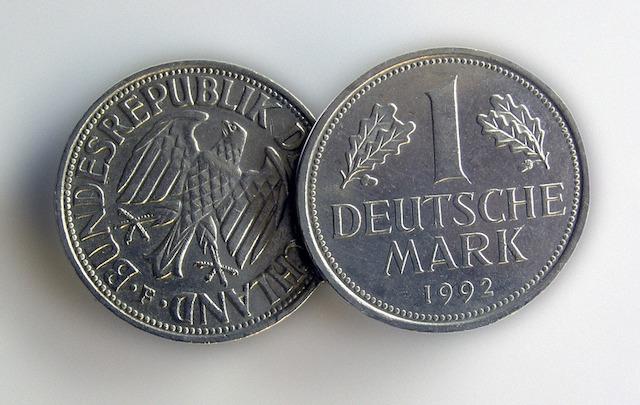 Deutsche-Bank-Arastirmasi-Kripto-2030-yilina-kadar-Reel-Para-Birimlerini-Degistirecek-kripto-para-cryptocurrency-blok-zincir-blockchain-fintech