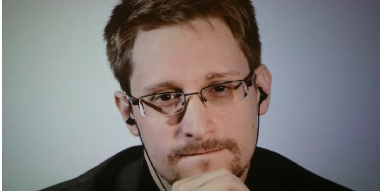Edward Snowden'dan JPMorgan CEO'suna Yanıt Gecikmedi